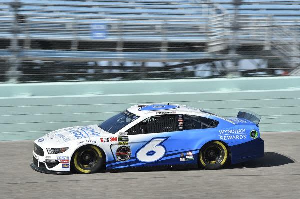 #6: Ryan Newman, Roush Fenway Racing, Ford Mustang Wyndham Rewards