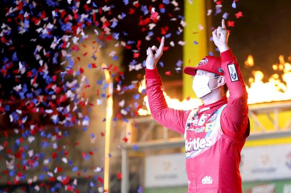 #18: Kyle Busch, Joe Gibbs Racing, Toyota Camry Skittles Zombie