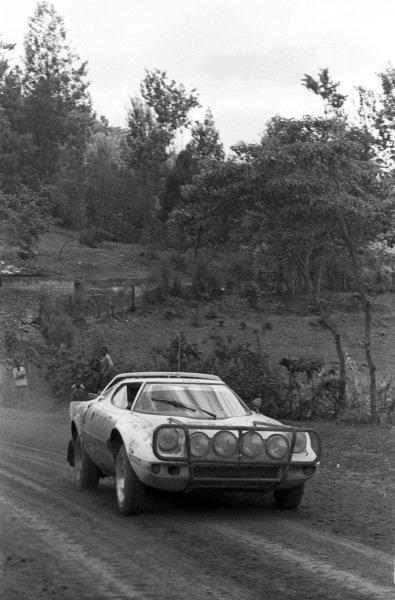 Vic Preston Jr. / John Lyall, Lancia Stratos HF.