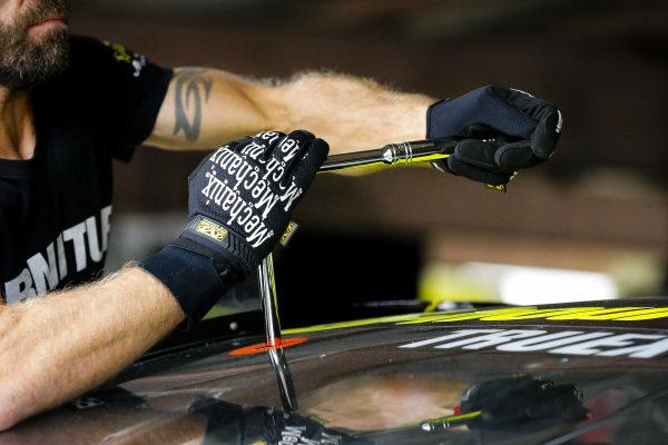 #78: Martin Truex Jr., Furniture Row Racing, Toyota Camry 5-hour ENERGY/Bass Pro Shops crew member