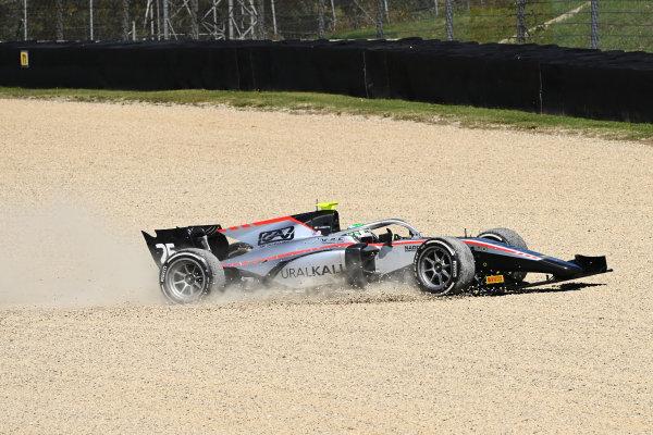 Luca Ghiotto (ITA, HITECH GRAND PRIX) enters the gravel in race 2