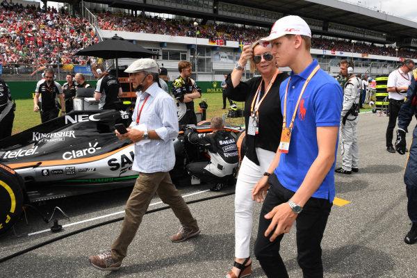 Mick Schumacher (GER) and Sabine Kehm on the grid at Formula One World Championship, Rd12, German Grand Prix, Race, Hockenheim, Germany, Sunday 31 July 2016.