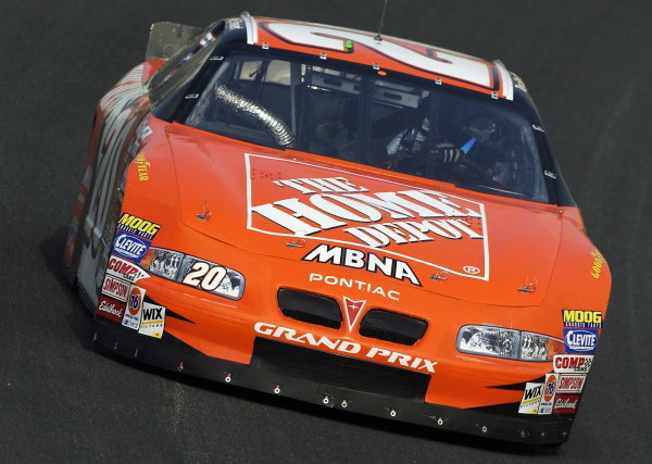 Tony Stewart (USA) Jo Gibbs Racing Home Depot Pontiac finished sixth.