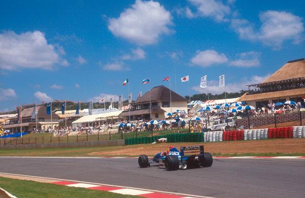 1992 South African Grand Prix.Kyalami, South Africa.28/2-1/3 1992.Mauricio Gugelmin (Jordan 192 Yamaha) 11th position.Ref-92 SA 12.World Copyright - LAT Photographic