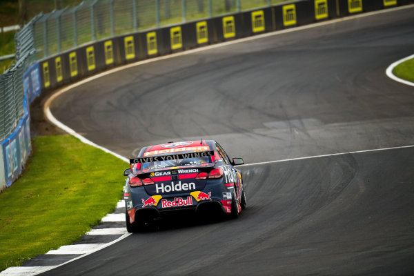 2017 Supercars Championship Round 14.  Auckland SuperSprint, Pukekohe Park Raceway, New Zealand. Friday 3rd November to Sunday 5th November 2017. Jamie Whincup, Triple Eight Race Engineering Holden.  World Copyright: Daniel Kalisz/LAT Images  Ref: Digital Image 031117_VASCR13_DKIMG_0120.jpg