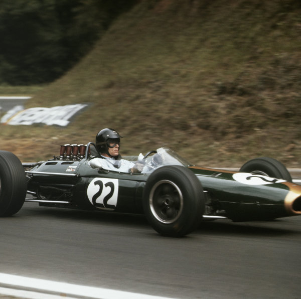 1964 French Grand Prix. Rouen-les-Essarts, France. 26-28 June 1964. Dan Gurney (Brabham BT7 Climax). Ref-3/1300. World Copyright - LAT Photographic