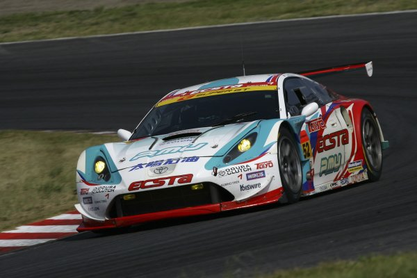 2006 Japanese Super GT ChampionshipSuzuka 1000km, Japan. 20th August 2006GT300 winner action -  Hironori Takeuchi / Koki Saga / Keita Sawa (TAIYO OIL KUMHO CELICA) 1st position.Photo: Yasushi Ishihara / LAT Photographicref: Digital Image 2006SGT_R6_011