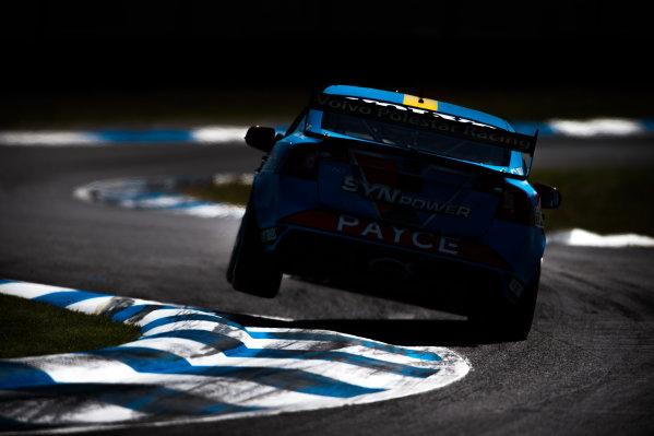 2015 V8 Supercars Round 12. Auckland 500, Pukekohe Park Raceway, Auckland, New Zealand. Friday 6th November - Sunday 8th November 2015. Scott McLaughlin drives the #33 Wilson Security Racing GRM Volvo. World Copyright: Daniel Kalisz/LAT Photographic  Ref: Digital Image V8SCR12_AUCKLAND500_DKIMG0525.JPG