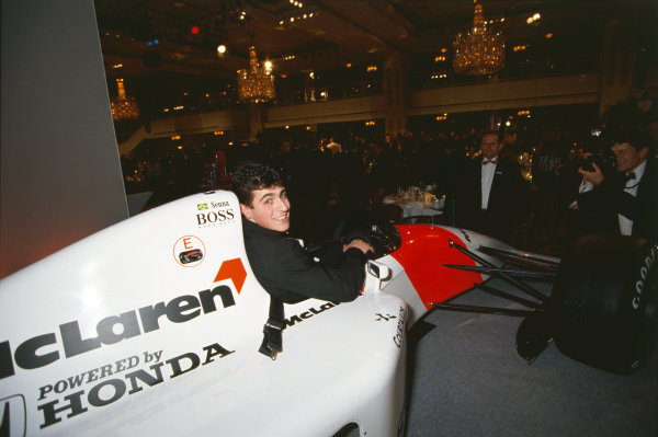 1992 Autosport Awards. Grosvenor House Hotel, Park Lane, London. 6th December 1992. Dario Franchitti wins the Autosport Young Driver of the Year award, presented by Michael Andretti, portrait.  World Copyright: LAT Photographic. Ref:  Colour Transparency.