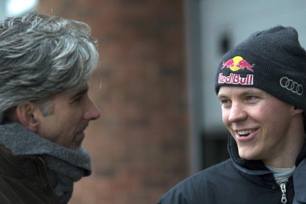 2006 DTM Testing.Brands Hatch. Wednesday 22nd March.Matthias Ekstrom, Audi Sport, talks to Damon Hill.World Copyright: Alastair Staley/LAT Photographic.Ref: Digital Image CADE7874 jpg