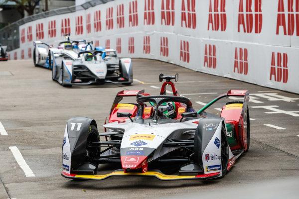 Lucas Di Grassi (BRA), Audi Sport ABT Schaeffler, Audi e-tron FE05 leads Felipe Massa (BRA), Venturi Formula E, Venturi VFE05