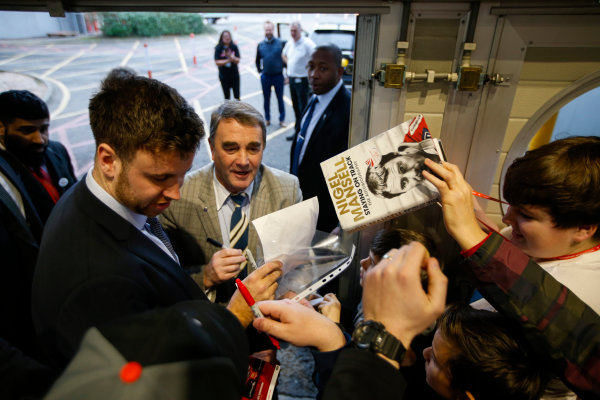 Autosport International Exhibition. National Exhibition Centre, Birmingham, UK. Sunday 14th January 2018. Nigel Mansell signs autographs for fans.World Copyright: Joe Portlock/LAT Images Ref: _L5R0606
