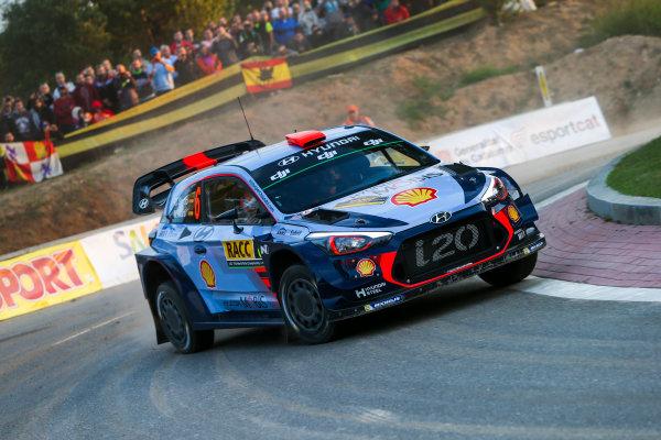 2017 FIA World Rally Championship, Round 11, Rally RACC Catalunya / Rally de España, 5-8 October, 2017, Dani Sordo, Hyundai, action, Worldwide Copyright: LAT/McKlein