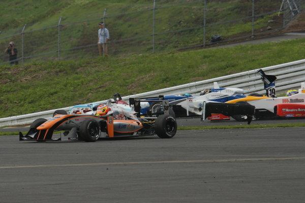 2014 All-Japan F3 Championship. Fuji, Japan. 11th - 13th July 2014. Rd 4. Race 2 - Start of the race, action. World Copyright: Yasushi Ishihara / LAT Photographic. Ref: 2014JF3_Rd8&9_020.JPG