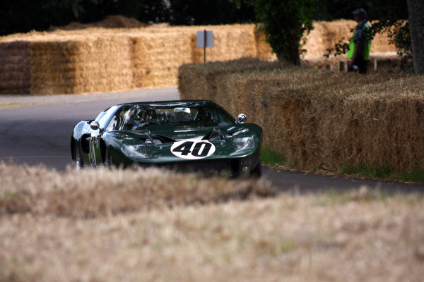 Goodwood Estate, West Sussex. 30th June - 3rd July 2011 A Ford GT40 tackles the hill climb. Action. World Copyright: Lord Hutton/LAT Photographic ref: IMG_2812