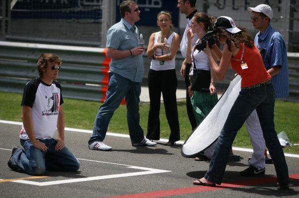 2005 Bahrain Grand Prix - Thursday Preview, Bahrain International Circuit, Manama, Bahrain. 31st March 2005 Jenson Button, BAR Honda 007, is photographed.World Copyright: Steve Etherington/LAT Photographic ref: 48mb Hi Res Digital Image Only