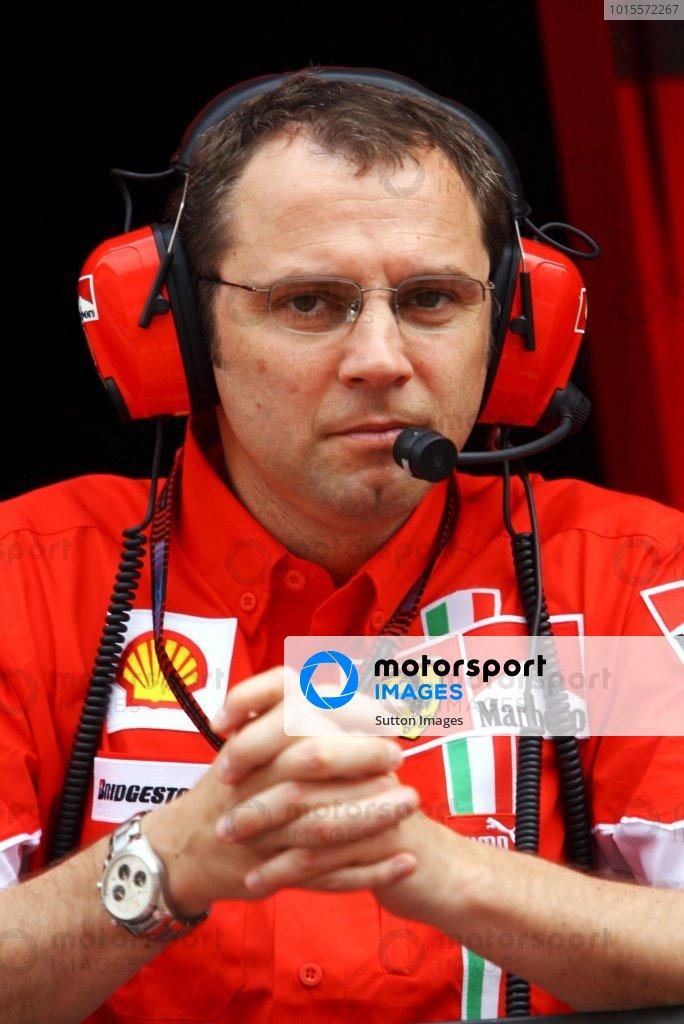 Stefano Domenicali (ITA) Ferrari Sporting Director. Formula One World Championship, Rd 5, Monaco Grand Prix, Qualifying Day, Monte-Carlo, Monaco, Saturday 26 May 2007. DIGITAL IMAGE