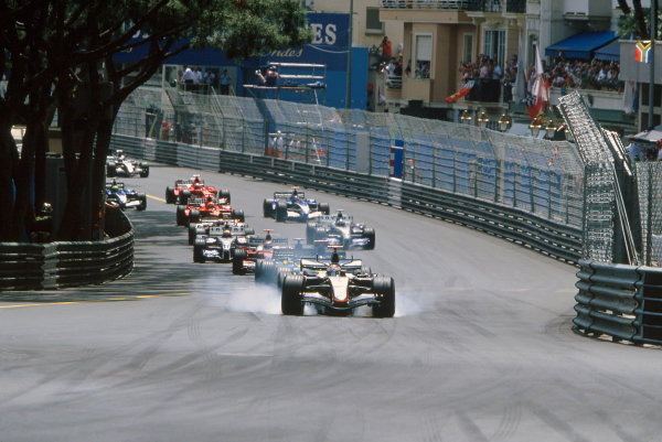 2005 Monaco Grand PrixMonte Carlo, Monaco. 19th - 22nd May Kimi Raikkonen, McLaren Mercedes MP4-20 locks up as he foes into turn 1 after the start. Action. World Copyright: Michael Cooper/LAT Photographic ref: 35mm Image 05Monaco15
