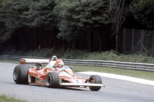 1976 German Grand PrixNurburgring, Germany 30/7-1/8 1976Niki Lauda (Ferrari 312T2) accident World Copyright:LAT Photographic