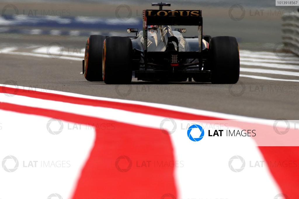 Bahrain International Circuit, Sakhir, Bahrain Friday 19th April 2013 Kimi Raikkonen, Lotus E21 Renault.  World Copyright: Glenn Dunbar/LAT Photographic ref: Digital Image _89P0057