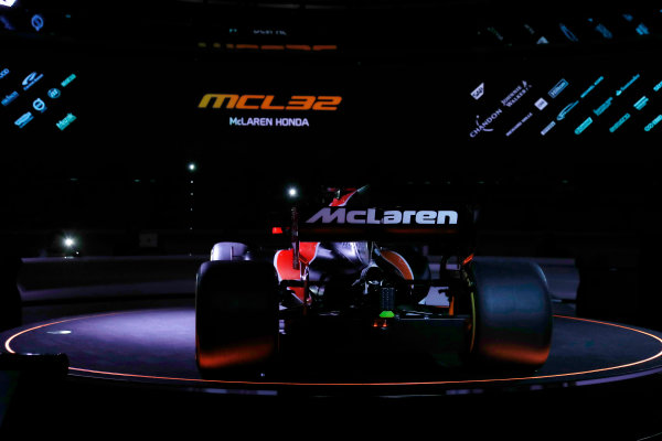 McLaren MCL32 Honda Formula 1 Launch. McLaren Technology Centre, Woking, UK. Friday 24 February 2017. The MCL32 is launched. World Copyright: Glenn Dunbar/LAT Images Ref: _31I9364