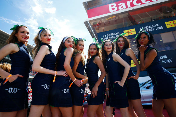 Circuit de Catalunya, Barcelona, Spain. Saturday 13 May 2017. Grid Girls. World Copyright: Andy Hone/LAT Images ref: Digital Image _ONZ5640