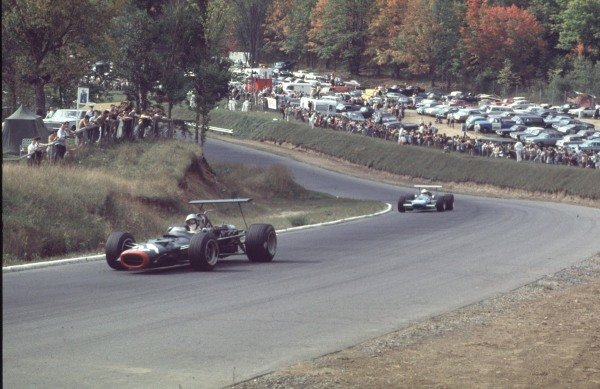1968 Canadian Grand Prix.Mont-Tremblant, (St. Jovite), Quebec, Canada.20-22 September 1968.Piers Courage (BRM P126) leads Johnny Servoz-Gavin (Matra MS10 Ford).Ref-68 CAN 53.World Copyright - LAT Photographic