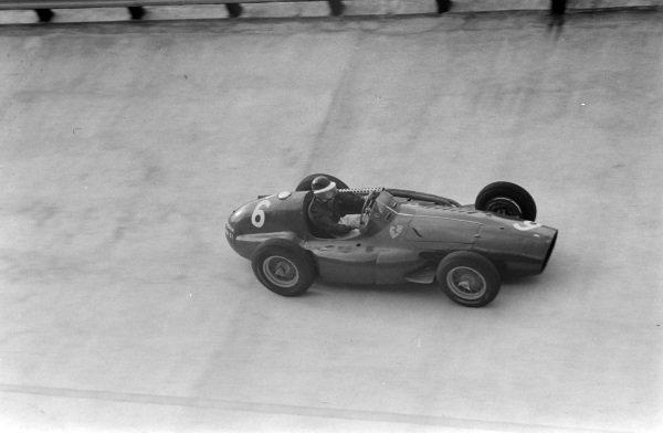 Mike Hawthorn, Ferrari 555.