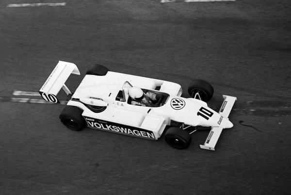 Macau Grand Prix winner John Nielsen (DEN) Volkswagen Motorsport Ralt RT3 Volkswagen. XXXI Grande Premio de Macau, Circuito da Guia, Macau, 18 November 1984.