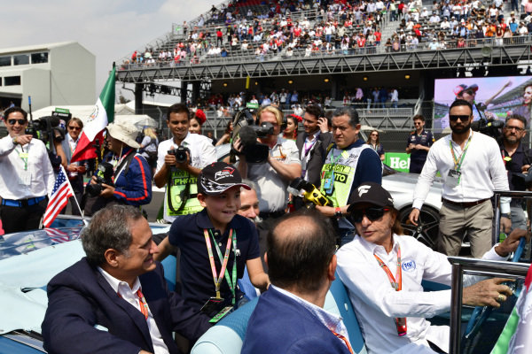 Alejandro Soberon (MEX) President and CEO for CIE Group and President of Formula 1 Gran Premio de Mexico and Chase Carey (USA) Chief Executive Officer and Executive Chairman of the Formula One Group at Formula One World Championship, Rd18, Mexican Grand Prix, Race, Circuit Hermanos Rodriguez, Mexico City, Mexico, Sunday 29 October 2017.