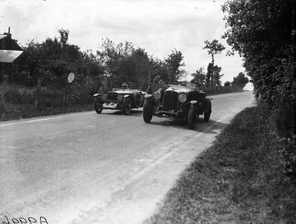 Jean-Albert Grégoire / Fernand Vallon, Tracta Type A, battles with Edouard Brisson / Robert Bloch, C. T. Weymann, Stutz Model BB Black Hawk.