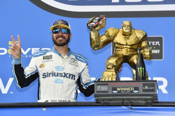 #19: Martin Truex Jr., Joe Gibbs Racing, Toyota Camry Sirius XM wins at Dover