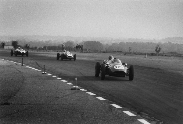 Snetterton, England. 10th October 1959.Klass Twisk (Cooper-Climax T51), 16th position, leads Dick Gibson (Cooper-Climax T43), 14th position and Jack Brabham (Cooper-Climax T51), 2nd position, action.World Copyright: LAT Photographic.Ref: 593 - 8.