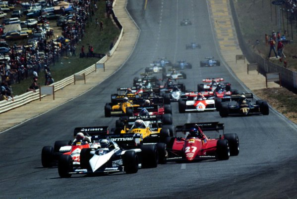 1983 South African Grand Prix.Kyalami, South Africa.13-15 October 1983.Riccardo Patrese (Brabham BT52B BMW) leads at the start of the race. He finished in 1st position. Ref: 83SA21. World Copyright - LAT Photographic