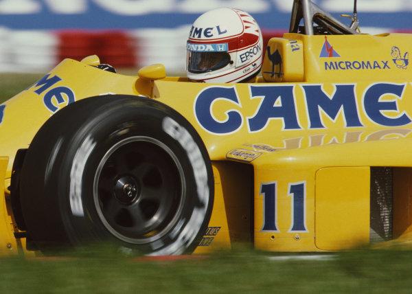 Satoru Nakajima, Lotus 99T Honda, during practice.