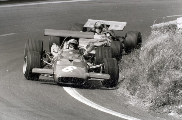 1969 French Grand Prix.Clermont-Ferrand, France. 6 July 1969.Chris Amon, Ferrari 312, 10th position, leads Jean-Pierre Beltoise, Matra MS80-Ford, 2nd position, action.World Copyright: LAT PhotographicRef: Autocar b&w print