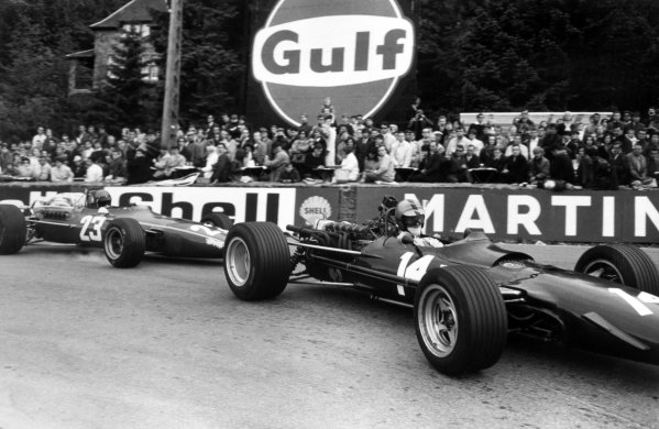1968 Belgian Grand Prix.Spa-Francorchamps, Belgium. 9 June 1968.Piers Courage, BRM P126, retired, leads Jacky Ickx, Ferrari 312, 3rd position, action.World Copyright: LAT PhotographicRef: Motor b&w print