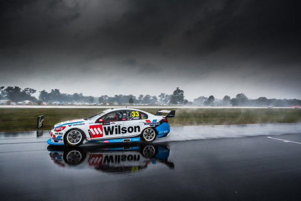 2017 Supercars Championship Round 5.  Winton SuperSprint, Winton Raceway, Victoria, Australia. Friday May 19th to Sunday May 21st 2017. Garth Tander drives the #33 Wilson Security Racing GRM Holden Commodore VF. World Copyright: Daniel Kalisz/LAT Images Ref: Digital Image 190517_VASCR5_DKIMG_0370.JPG