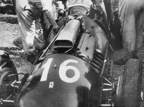 1950 Italian Grand Prix.Monza, Italy. 3 September 1950.Alberto Ascari (Ferrari 375).World Copyright - LAT Photographic