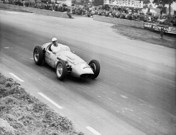 Silverstone, England.12-14 July 1956.Stirling Moss (Maserati 250F) 8th position.Ref-Motor 774/61.World Copyright - LAT Photographic