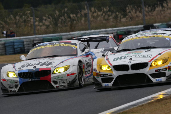 2015 Japanese Super GT Series. Autopolis, Japan. 31st September - 1st October 2015. Rd 7. GT300 3rd position Jorg Muller & Seiji Ara ( #7 Studie BMW Z4 ) action World Copyright: Masahide Kamio/ LAT Photographic. Ref: 2015SGT_Rd7_11