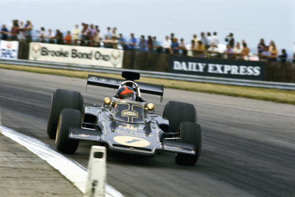 Emerson Fittipaldi, Lotus 72D Ford, in a high speed drift.