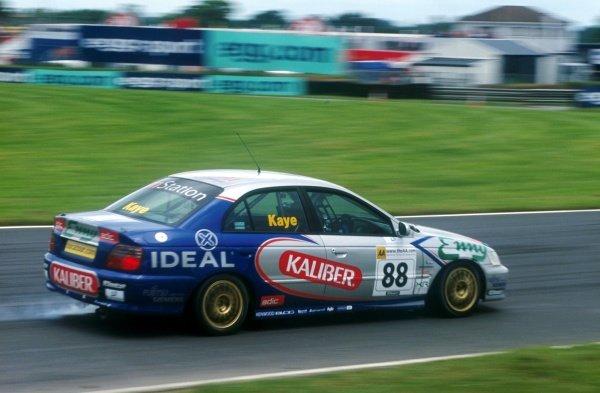 James Kaye took victory in both races.British Touring Car Championship, Mondello Park, Ireland. 17 June 2001BEST IMAGE