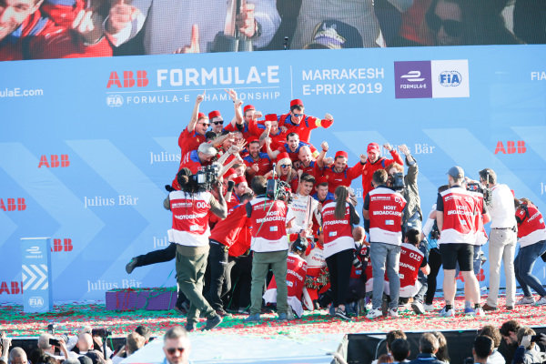Jérôme d'Ambrosio (BEL), Mahindra Racing, 1st position, celebrates on the podium with team mate Pascal Wehrlein (DEU), Mahindra Racing, and the Mahindra Racing team
