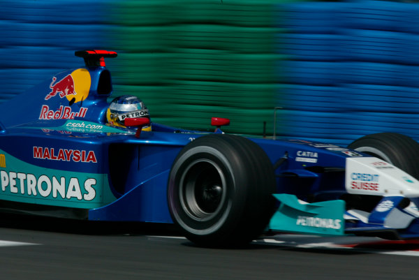 2002 French Grand Prix - Friday PracticeMagny-Cours, France. 19th July 2002World Copyright - LAT Photographicref: digital file