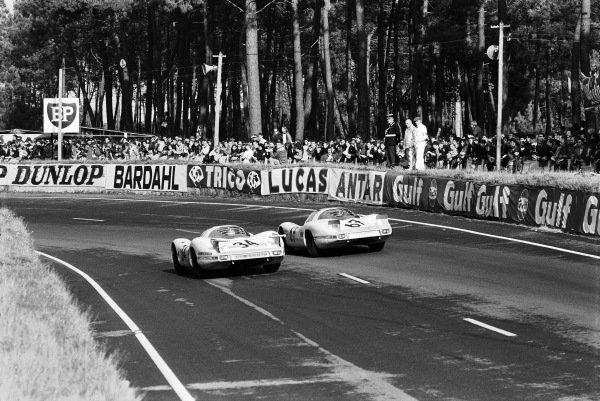 Joe Buzzetta / Scooter Patrick, Porsche System Enginnering, Porsche 908, alongside Herbert Linge / Robert Buchet, Phillippe Farjon, Porsche 907.