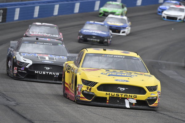 #34: Michael McDowell, Front Row Motorsports, Ford Mustang Love's Travel Stops, #4: Kevin Harvick, Stewart-Haas Racing, Ford Mustang Mobil 1