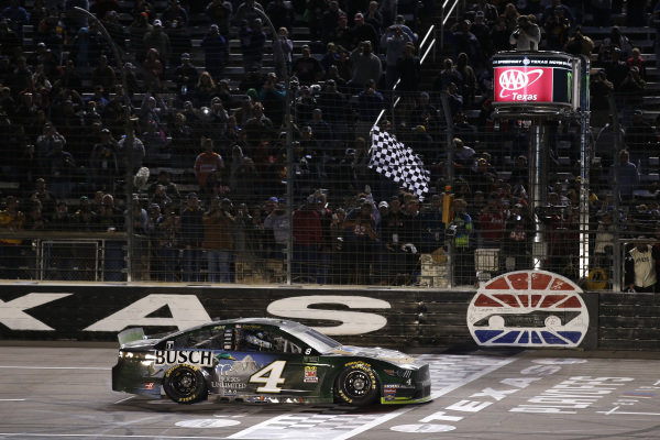 #4: Kevin Harvick, Stewart-Haas Racing, Ford Mustang Busch Beer / Ducks Unlimited