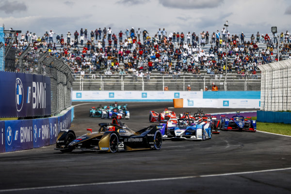 Jean-Eric Vergne (FRA), DS Techeetah, DS E-Tense FE21, leads Jake Dennis (GBR), BMW I Andretti Motorsport, BMW iFE.21, Sebastien Buemi (CHE), Nissan e.Dams, Nissan IMO2, and Nick Cassidy (NZL), Envision Virgin Racing, Audi e-tron FE07