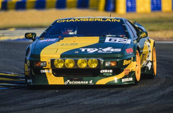 Richard Piper / Peter Hardman / Olindo Iacobelli, Lotus Sport / Chamberlain Engineering, Lotus Esprit S300 Turbo.